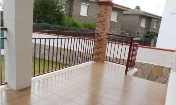 Двухэтажный дом в центре города Сегур-де-Калафель | 16-570x340-jpg