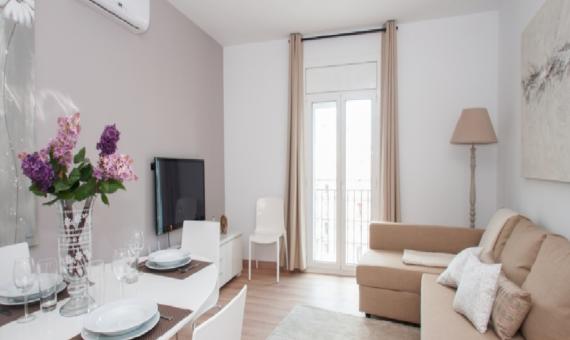 Апартаменты с туристической лицензией на Площади Каталония | 1-570x340-png