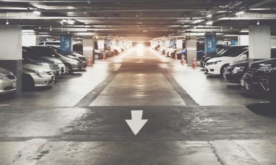 Паркинг на 280 мест в районе Грасиа недалеко от Пасео де Грасия | shutterstock_723048799-570x340-jpg