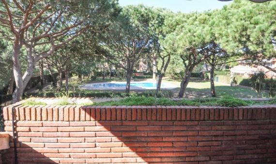 Исключительный угловой таунхаус с видом на море | casa-esquinera-premia-gava-mar-lusa-realty00029-570x340-jpg
