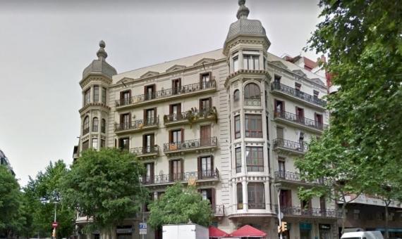 Лот из 4 коммерческих помещений в центре Барселоны | 1-570x340-jpg
