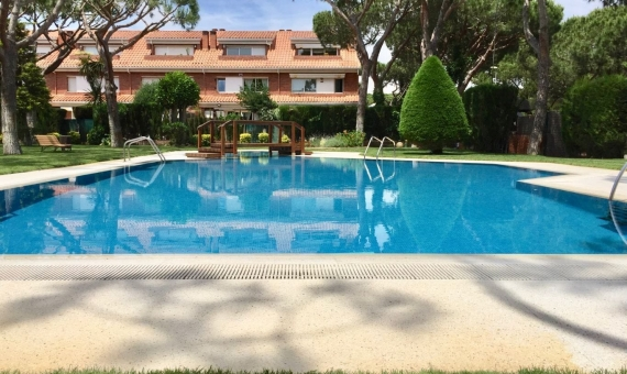 Приватный таунхаус с большим садом и бассейном | 00006lusa-gava-mar-570x340-jpg