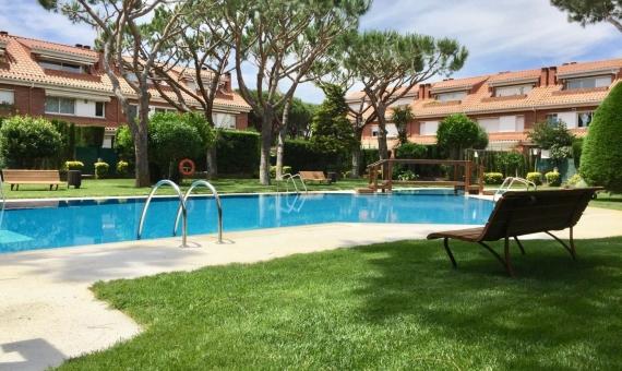 Приватный таунхаус с большим садом и бассейном   00006lusa-gava-mar-570x340-jpg