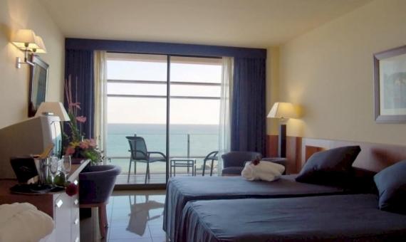 Отель на 84 номера со Спа-Центром на первой линии моря в Матаро | 4-570x340-jpg