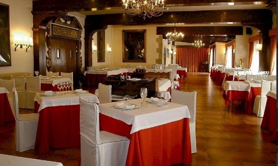 Трехзвездочный отель с благоустроенной территорией у моря в пригороде Барселоны | 5-2-570x340-jpg
