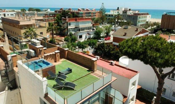 Таунхаус с террасой и джакузи на крыше с видом на море   image-10-1-570x340-jpg