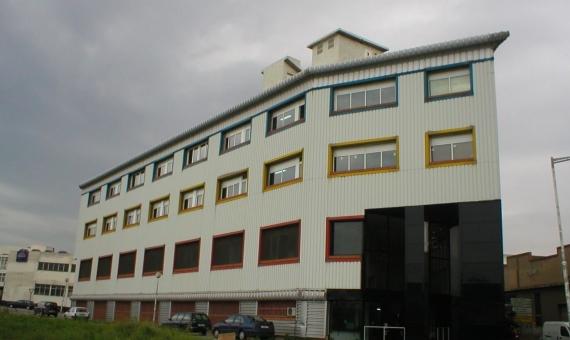 Здание на сто офисных или коммерческих помещений в Барселоне | callebalmes-570x340-jpg