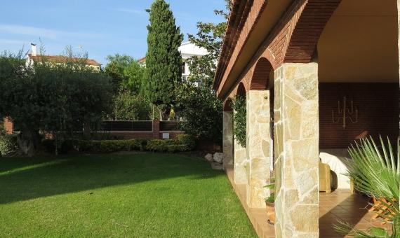 Дом с садом 1000 м2 недалеко от моря вАлтафулье | 005-570x340-jpg