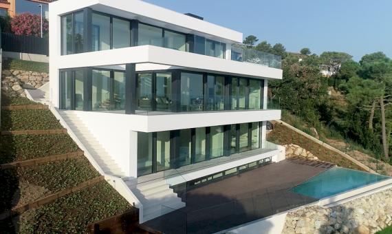 Виллы новой постройки 242 м2 с видом на море в Бегур | 20180803-diurnas-5-570x340-png